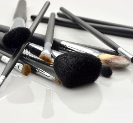 How to clean make-up brushes
