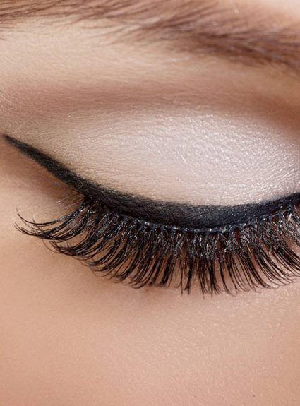 5 ways to wear white eyeshadow